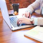 VLW fordert Wahlrecht für Lehrkräfte bei Dienst-Laptops